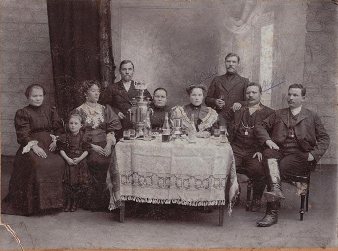 За чаем 1910 г.